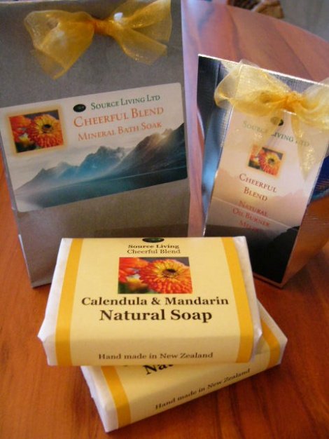 Cheerful Blend Gift Set