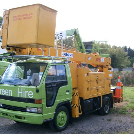 Aichi SH140 Insulated Bucket truck