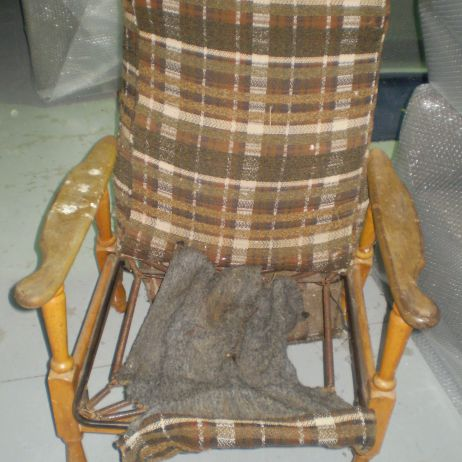 Upholstery Repairs Melbourne - Does your chair or sofa need reupholstering or repairs?  See JARO!