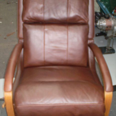 Lazy Boy Leather Recliners Reupholstery - Melbourne areas