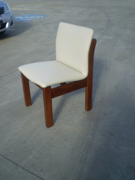 JARO, Reupholsterers for Melbourne, Gippsland and Mornington Peninsula areas.