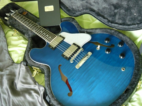 Gibson ES335 SEMI HOLLOW CUSTOM SHOP - BRAND NEW - 100% MINT