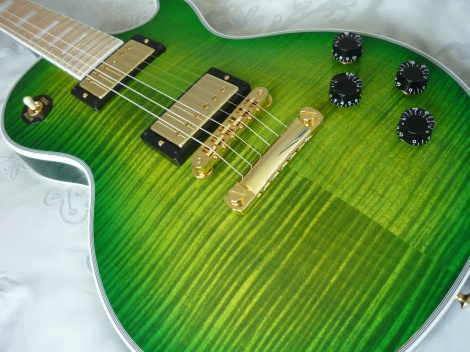 GIBSON LES PAUL CUSTOM - IGUANA BURST - BRAND NEW - MINT