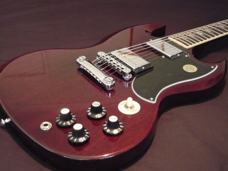 GIBSON SG ANGUS YOUNG SIGNATURE