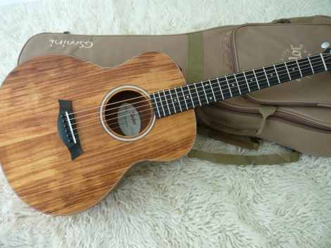 TAYLOR MINI E KOA TRAVEL GUITAR - KOA