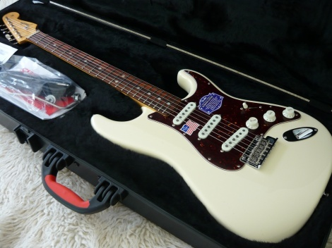 FENDER AMERICAN VINTAGE HOT ROD VINTAGE STRAT OLYMPIC WHITE
