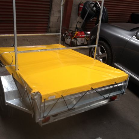 Trailer cover to suit carry frame