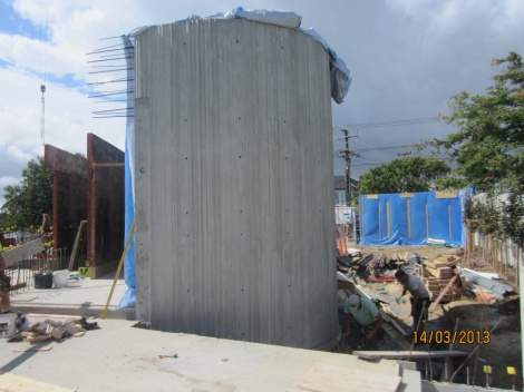Remuera Curved concrete wall