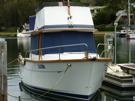 Windscreen mesh 95% block and flybridge skirts