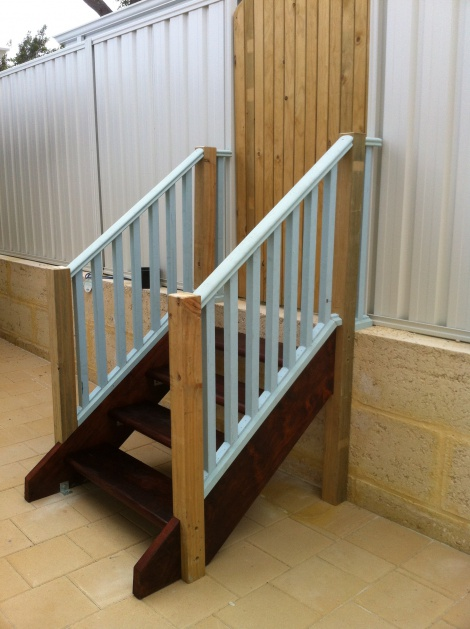 Mebau treads and stringer staircase