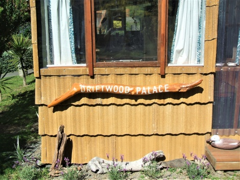 Driftwood Palace - recycled homestay
