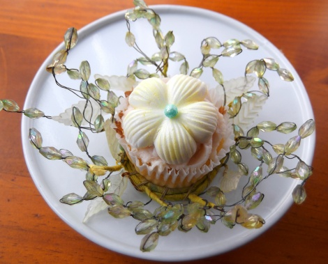 Tropical Flower Cupcake