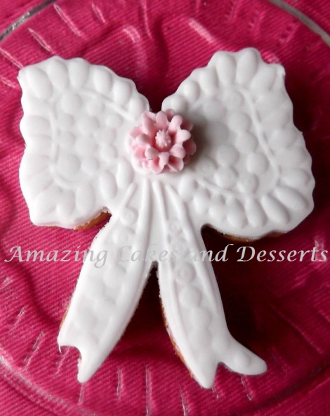 Lace Ribbon Biscuit
