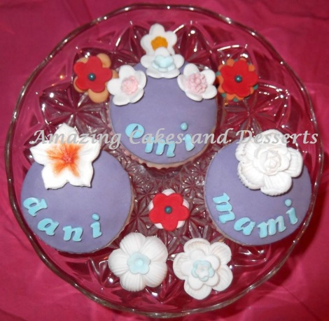 Name & Flower Cupcakes