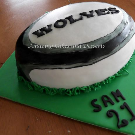 Rugbyball Cake