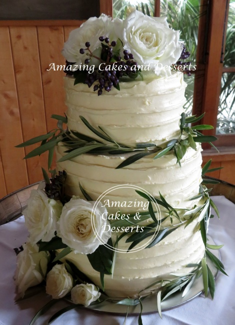 Olive leaves and Roses Weddingcake