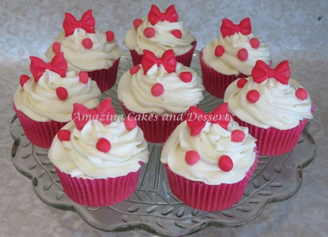 Dots and Bows Cupcakes