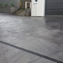 Texture trowel finish with 1.4m grid cuts