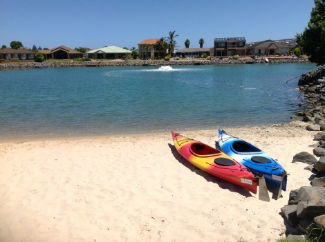 All Seasons Lakefront Getaway private beach/saltwater lake