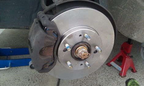Mitsubishi Magna Front Disc Pads and Rotors
