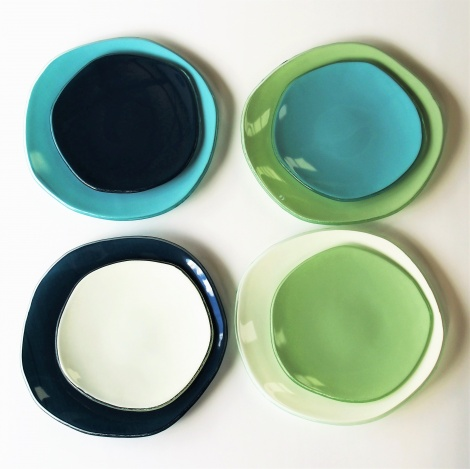 Oyster Four Piece Coloured Dinner Set