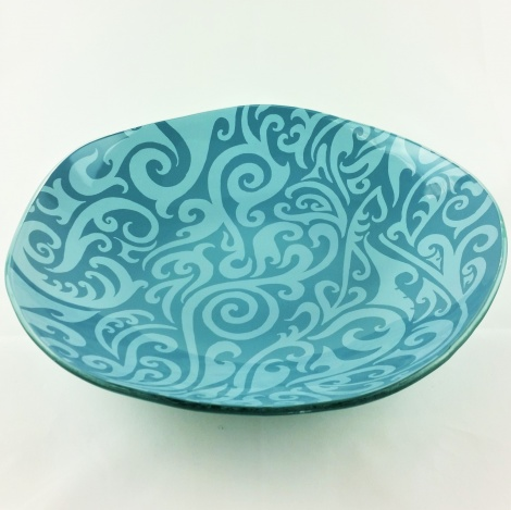 XL Oyster Bowl in Pasifika Bay Blue & Turquoise