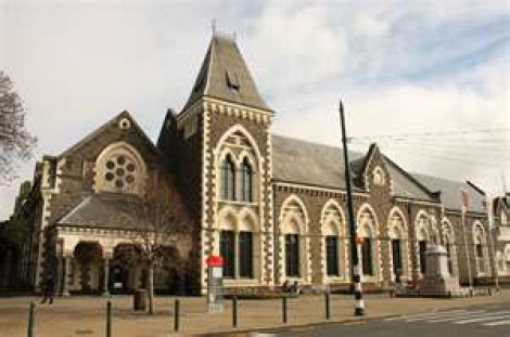 Chch City Tour-Canterbury Museum