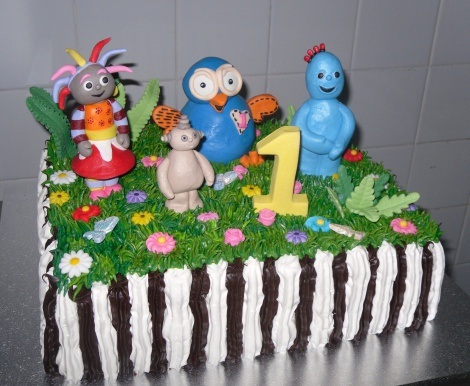 Hoot and In the night garden cake