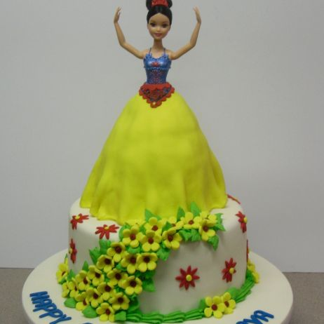 2 tier Snow white cake