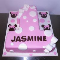 Minnie number one cake