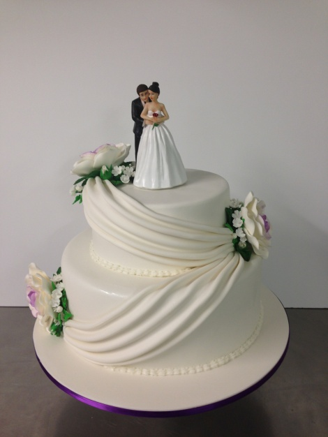 2 tier swag wedding cake
