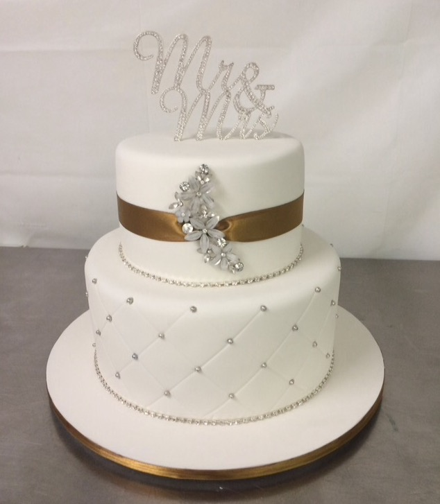Gold and white wedding cake , Annette\u0027s Heavenly Cakes