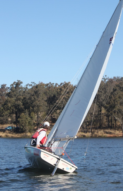 Greg Mctaggart coaxing his laser2 upwind