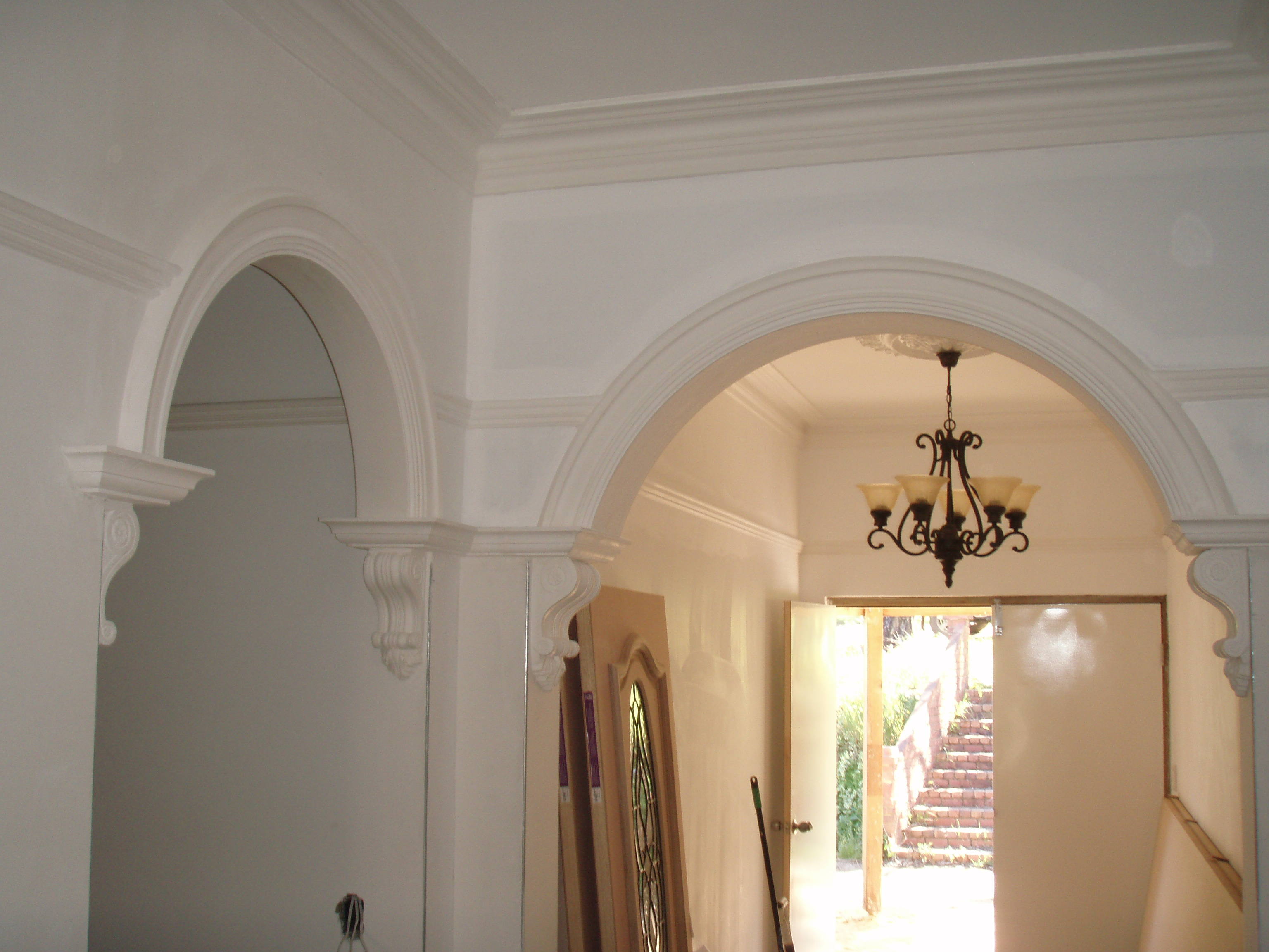Arches With Crowns And Corbels Picture Rail And Colonial