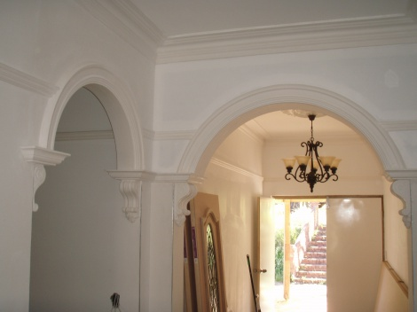 Arches with Crowns and Corbels, Picture rail and Colonial cornice
