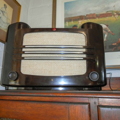 Bakelite radio - refurbished and in working order