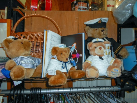 Ship teddies