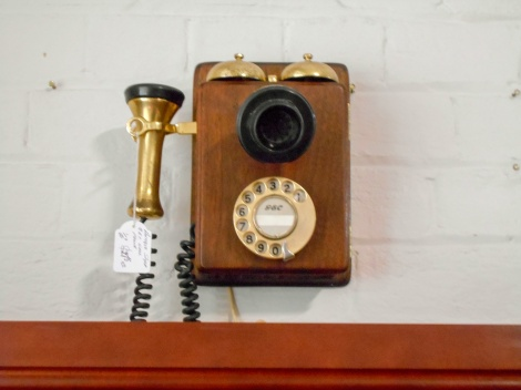Vintage style wall phone - ready to connect