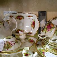 English Royal Albert Old Country Roses - part of our collection