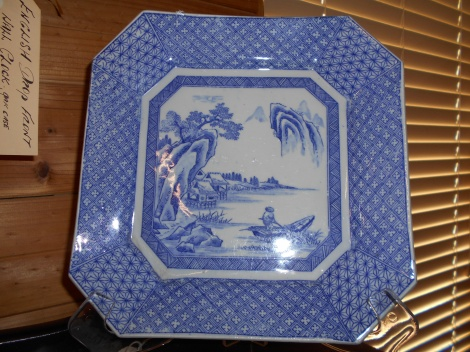 Chinese willow pattern plates
