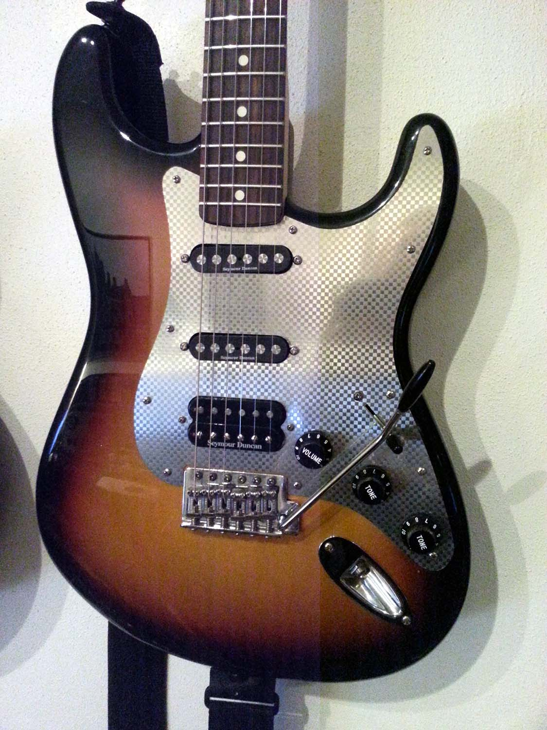 From Jurriaan in Amsterdam  Customised Strat with Mozaic