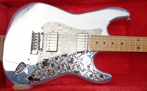 André Takes a Fender 1994 40th Anniversary Aluminium Stratocaster to a Custom Shop Level.