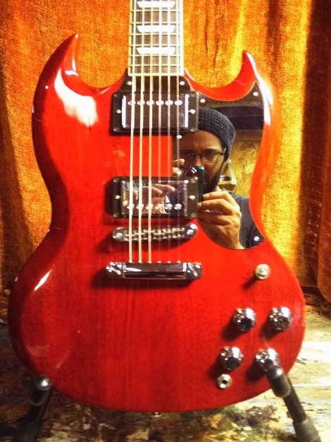From Kelly in Mississippi with the Gibson SG Chrome Mirror pickguard