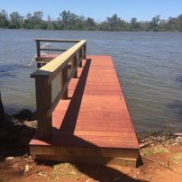 """L"" Shaped Jetty at Mannum"
