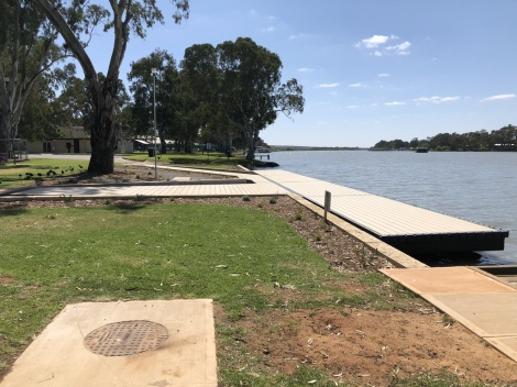 Mannum Rowing Club Pontoon
