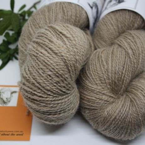 HANDSPUN YARN - NATURAL SMOKEY BROWN 'CARAMELLY'