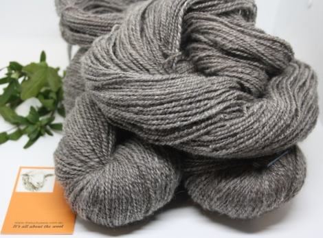 HANDSPUN YARN - NATURAL PEARL GREY 575g / 1065 m