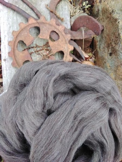 Australian Grown and Processed MERINO CORRIEDALE BLEND Combed Wool Top 200g