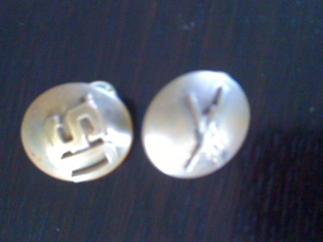 WW2  US METAL COLLAR BUTTONS