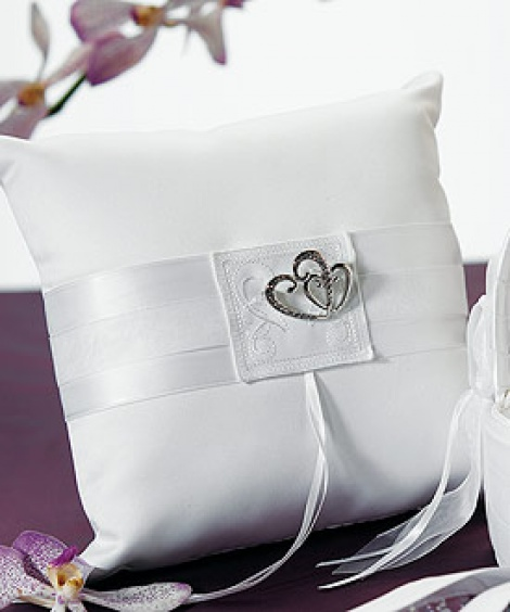 DOUBLE HEART RING PILLOW WHITE